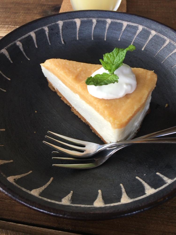 カフェ スバコのレアチーズケーキ