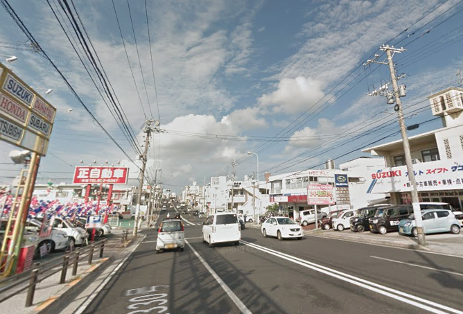 宜野湾中古車街道